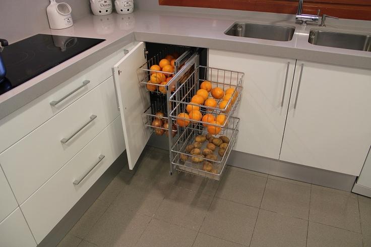 Cocinas accesorios para organizar tu cocina madrid for Accesorios para interiores de armarios de cocina