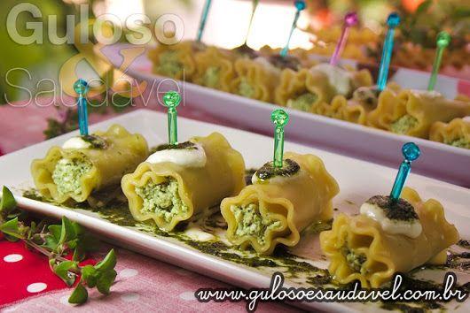 FotoSugestão de #jantar leve, delicioso e saudável! Os Rolinhos de Lasanha com Ricota são ótimos, fáceis de preparar e versáteis!  #Receita aqui: http://www.gulosoesaudavel.com.br/2013/01/29/rolinhos-lasanha-ricota/
