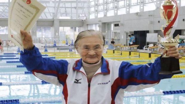 Super-nonna dei record in piscina entra nei Guinness dei primati per i 1500 metri a stile