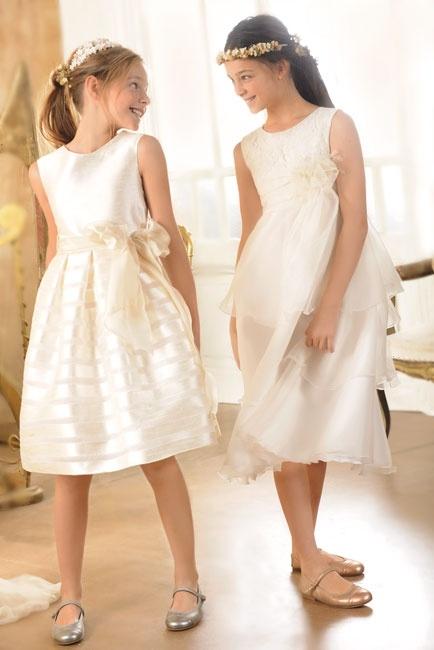 Vestido corto con tejido rayado y vestido corto con encajes de Primera #comunion #ElCorteIngles