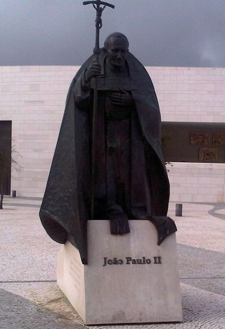 Statue of Pope John Paul II outside new cathedral of Our Lady of Fatima