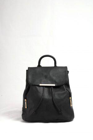 24,00€ Σακίδιο πλάτης μαύρο. Κλείνει σαν πουγκί και με καπάκι.  Ιδιαίτερο design με πλαϊνά φερμουάρ και χρυσές λεπτομέρειες.