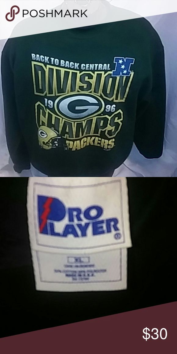 Green Bay Packers 1996 division champs sweatshirt Vintage 1996 Green Bay Packer division championship sweatshirt extra large in great condition slight fade due to age but overall in excellent condition Pro Player Sweaters Crewneck
