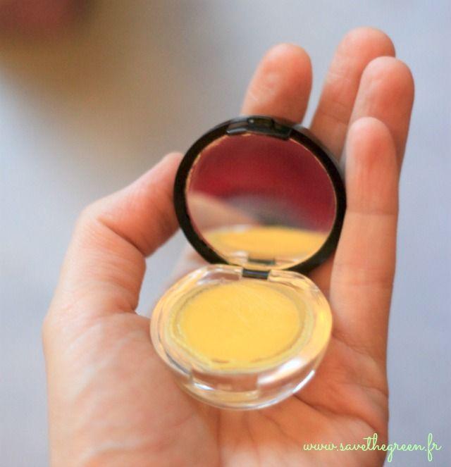 DIY : le baume à lèvres fait maison. 1 recette hyper facile pour nourrir vos lèvres avec des ingrédients bio ! Seulement 2 ou 3 ingrédients sont nécessaires