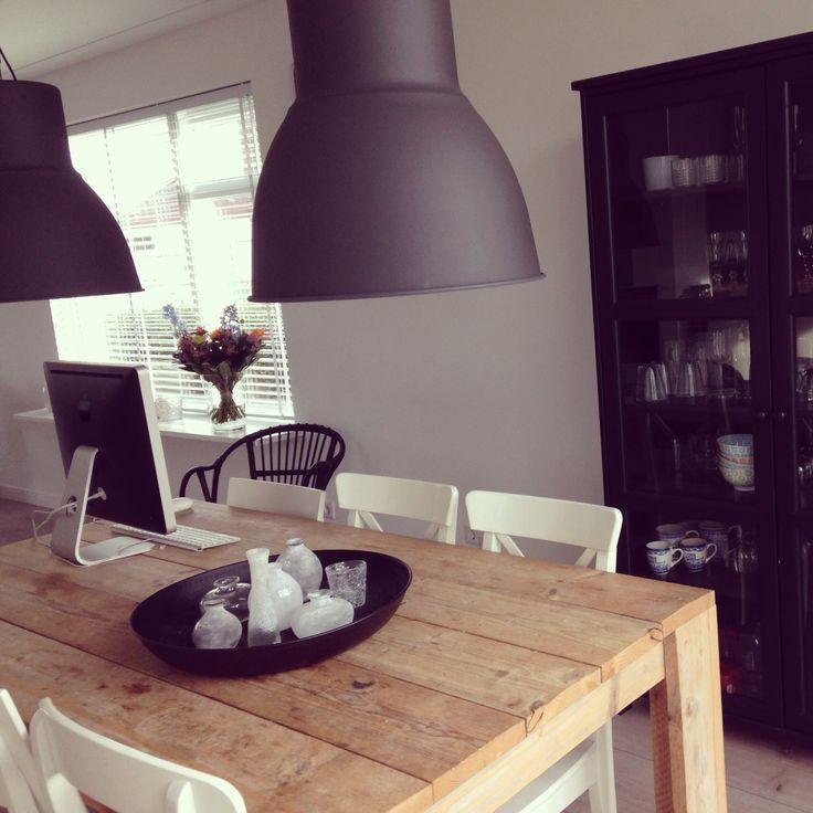 Meer dan 1000 idee u00ebn over Witte Eetkamer Stoelen op Pinterest   Stoelen Voor De Eettafel