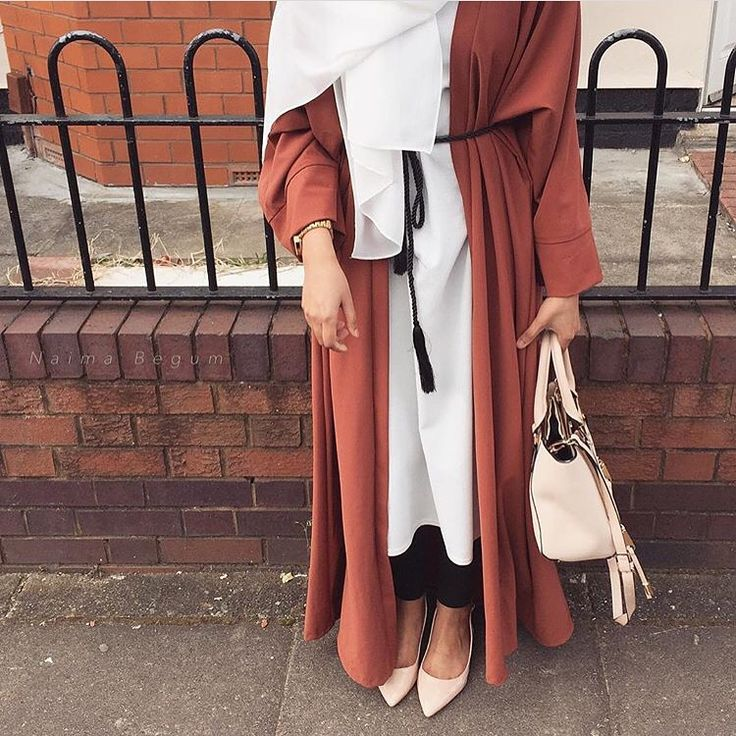 Idk if I would consider this a abaya, but I'm so loving the color and material of the fabric.