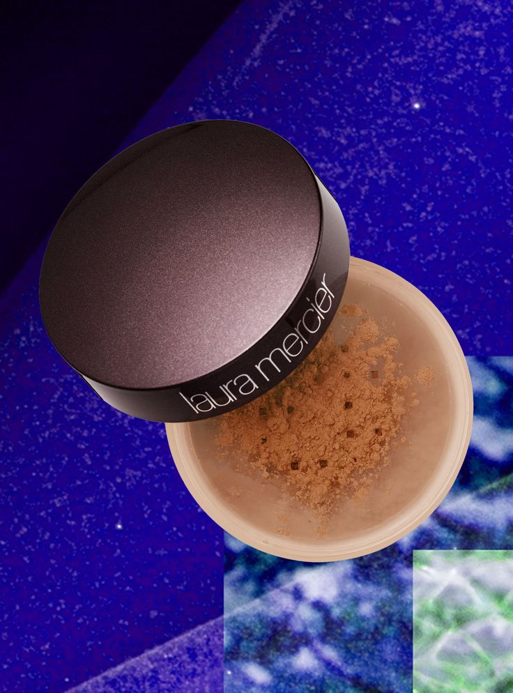 8 flash-approved setting powders perfect for dark skin tones #LauraMercier #setting #powder #makeup #darkskintones #beauty