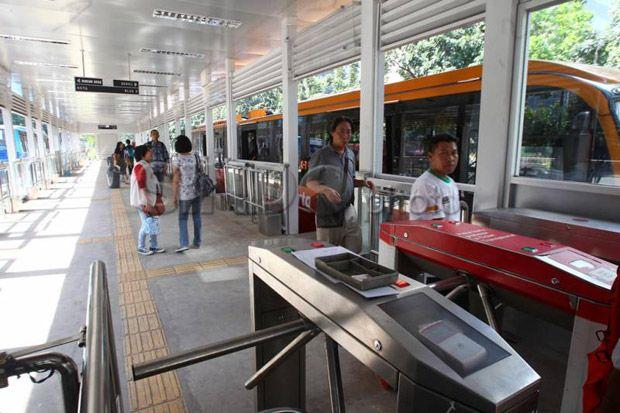 Malam Tahun Baru Bus Transjakarta Beroperasi 24 Jam