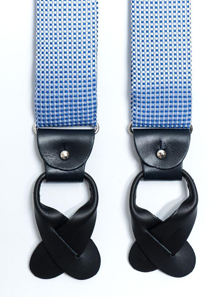 Tirantes de seda jacquard con diseño de cuadritos en color blanco y celeste. Posibilidad de usar con pinzas metálicas o con tiras de piel para abotonar al pantalón (ambos incluídos).  www.soloio.com  #shoponline #SOLOiO #menaccesories #tirantes #suspenders  #print #dapperaccesories #dapperman #dappermen #dandyaccesories #bespoke #bespokeaccesories #paisley #bretelle #skull #calavera #dots #lunares #blue #green #yellow #dots #lunares #pois