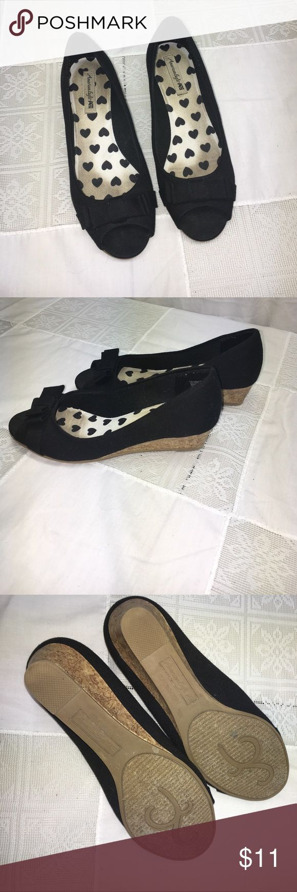 American Eagle Girls shoes . Size 1.5 ❤️❤️❤️ Adorable Shoes !!!  They have been worn but have LOTS of life in them.  Your little girl will love wearing these !!  She will feel like a big girl with small heel . GREAT CONDITION !!!  ❤️❤️❤️ American Eagle By Payless Shoes Dress Shoes