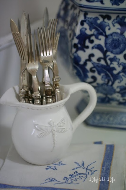 Lilyfield Life: beautiful vintage #cutlery and napkins