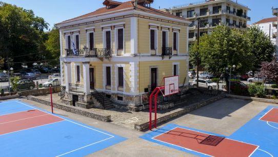 Γιάννενα: Αναβαθμίζονται οι σχολικές αυλές και τα γυμναστήρια