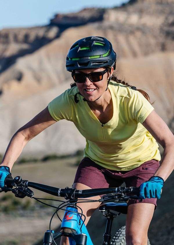 7 Women S Mountain Bike Jerseys You Will Love Mountain Bike Jerseys