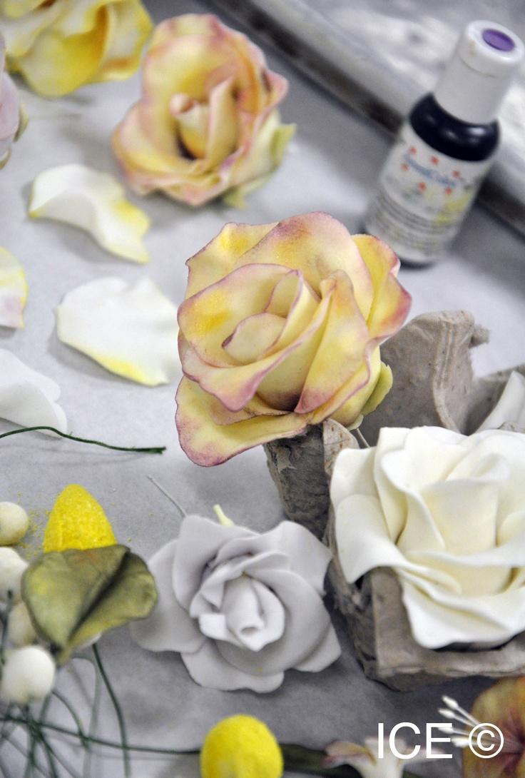 340 best gumpaste flowers images on pinterest sugar flowers cake making gumpaste roses for a cake izmirmasajfo