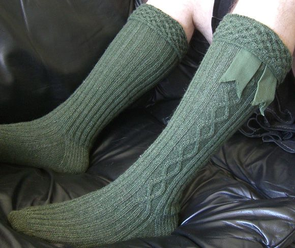 Knitting Pattern For Kilt Socks : 1000+ images about Knit socks knee-high on Pinterest Cable, Stockings and D...