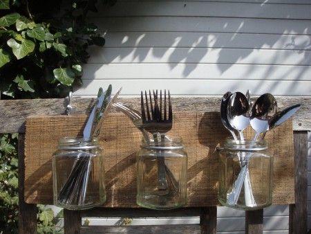 Wandbord met 4 glazen potjes, pallethout,glas en aluminiumdraad (bestek niet inbegrepen)