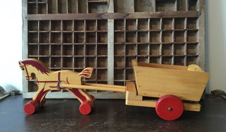 Vintage houten paard en wagen