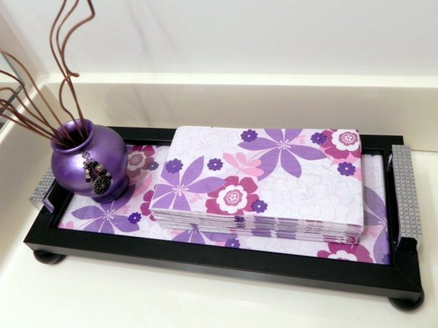 interchangeable guest towel picture frame tray, bathroom ideas, crafts, decoupage, repurposing upcycling