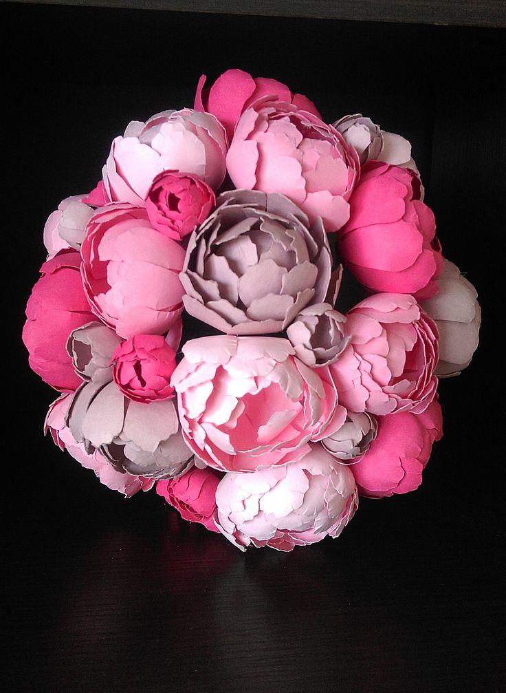 #paperflorist #paperartist #peony #paperpeonies #paperflowers #pinkflowers #pinkpeonies #paperbouqet #handmadepaperflowers #customflorartistry #flowerart #spring #springflowers #DlightPeonies