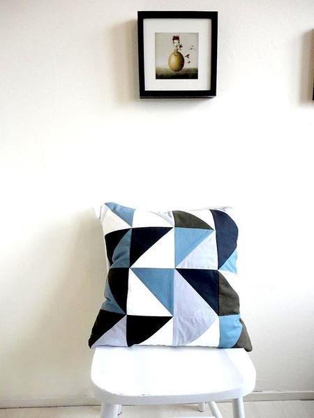 Geometrisch driehoek kussen van byMetz op DaWanda.com