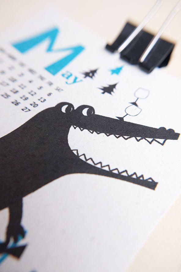 https://flic.kr/p/NP1KPi | 2017 Calendar by Kyoko Nemoto | Silkscreen print 100mm X 148mm 2017 カレンダー 今年も作りました! aozorastore.tumblr.com サイズ:100mmx 148mm (ポストカードサイズ)  印刷: 孔版印刷 (レトロ印刷) オモテ2色/ウラ1色 紙: 富士わら厚紙 価格: 1200円 (12ヶ月1セットです) お振込: 銀行振込の他、Paypal経由でクレジットカードでもお求めいただけます。カレンダー専用フォームよりご注文後、https://ws.formzu.net/fgen/S66212372 ご確認メールをお送り致します。 送料 郵便局のクリックポスト(全国一律1kgまで168円)でお送りします。 ※銀行お振り込み手数料はご負担頂いております。