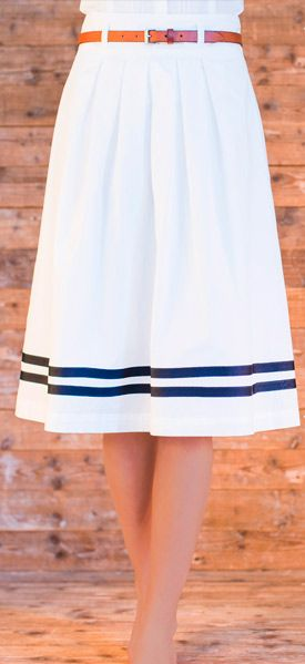 white and navy pleated summer skirt. Cute but I would sooooo stain this...