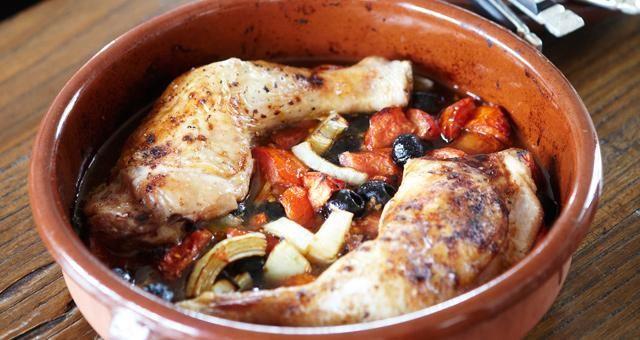 Kip met citroen, olijven en tomaten - Recept | VTM Koken - Pascale Naessens