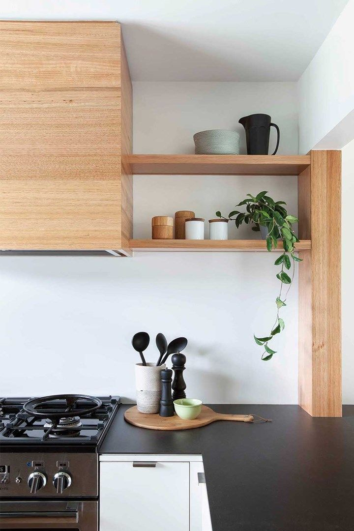 This low-cost kitchen renovation came in on time and on budget | Home Beautiful Magazine Australia