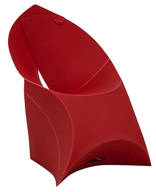 Introducing the award-winning Dutch designed Flux Chair. Looks like a giant envelope; turns into a designer chair. Simple! Made from a craftily cut sheet of sustainable polypropylene, zero tools required for assembly. Perfect introduction and ice breaker for a team building event - they can make their own chairs! Available in Black http://www.eventhireonline.co.uk/seating/flux-red