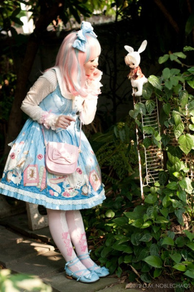 Alice in Wonderland inspired Lolita outfit