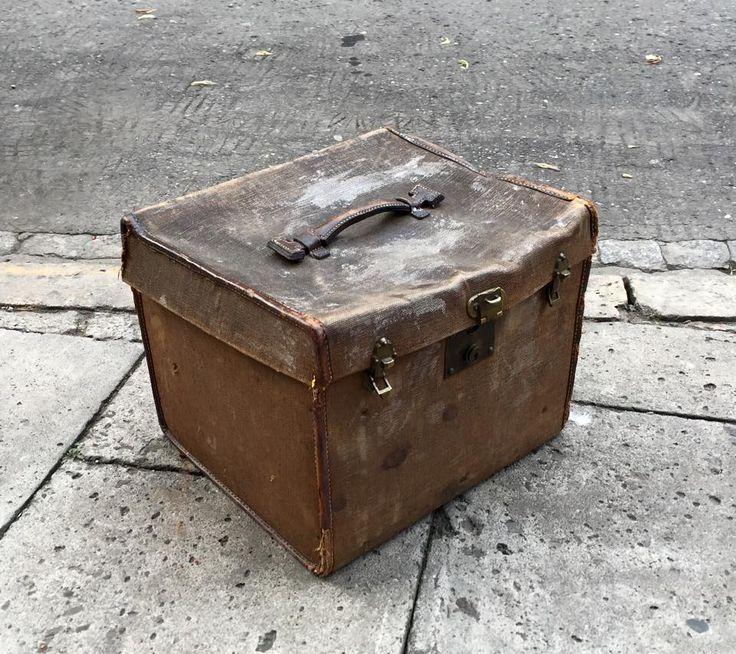 Prewar Coffer Bag coated canvas with leather trim and wood. #forsale #prewar #coffer #bag #wood #decor #retro #styling #inspiration #art #fleamarket #fleamarketfinds #vintage #vintagedesign #vintagedecor #vintagestyle #vintagestore #vintagefinds #vintagestuff #antiquities #antique #oldstuff #antiqueshop #antiquefinds #oldshop #starysklep #oldshopstarysklep #krakow #cracow