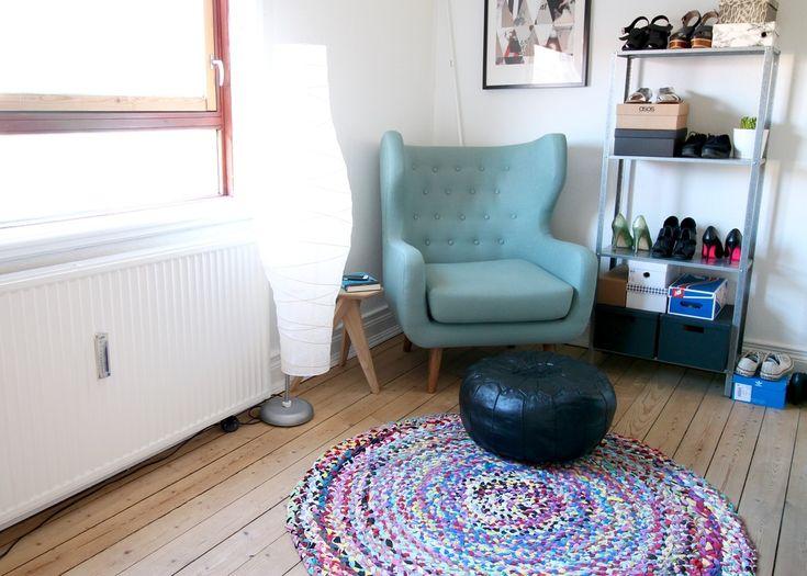 genbrug, flettet tæppe, gamle t-shirts, diy, recycle, indretning, mit hjem, sofakompagniet, gulvtæppe,
