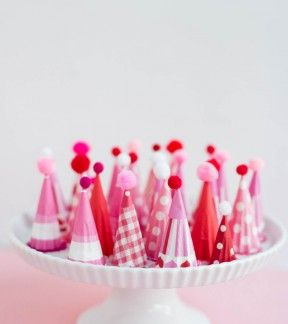 Mini Valentine Party Hat // free pritnable