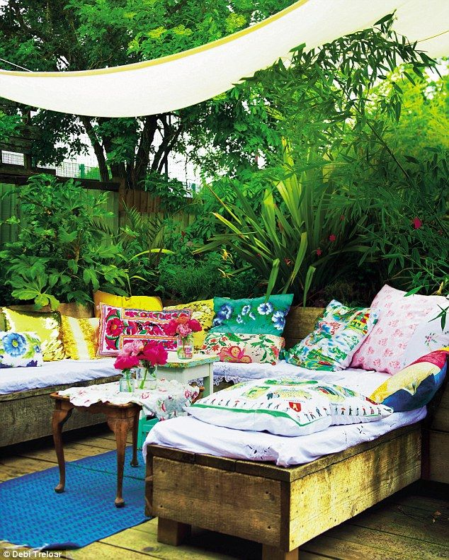 'A waterproof canopy means the area can be enjoyed even if it starts to drizzle' #outdoorliving #gardentherapy