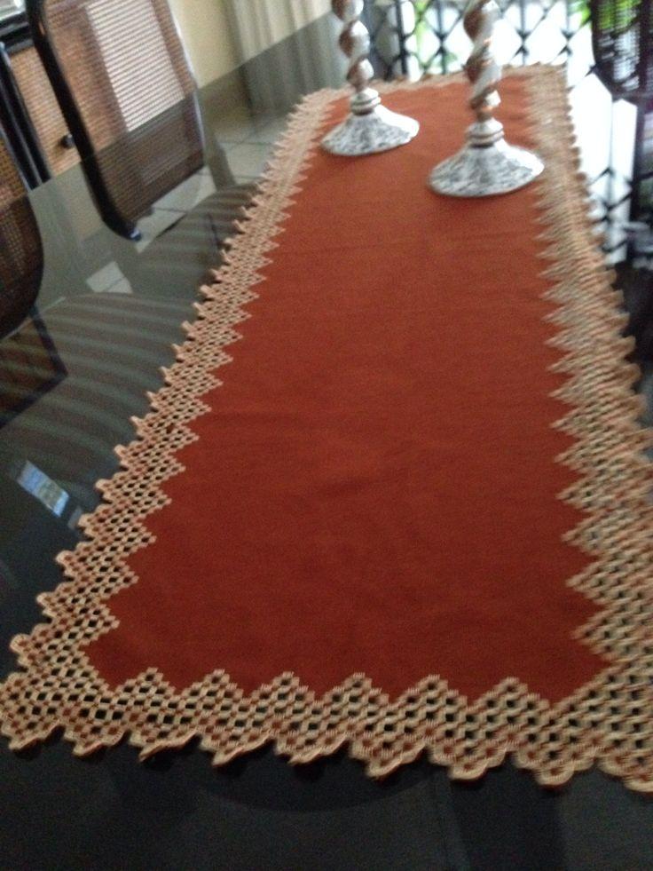 Camino de mesa bordado noruego pinterest hardanger for Caminos de mesa modernos