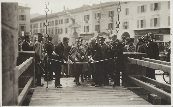 Verona - V. Emanuele III Inaugura Il Restaurato Castelvecchio 25-04-1926