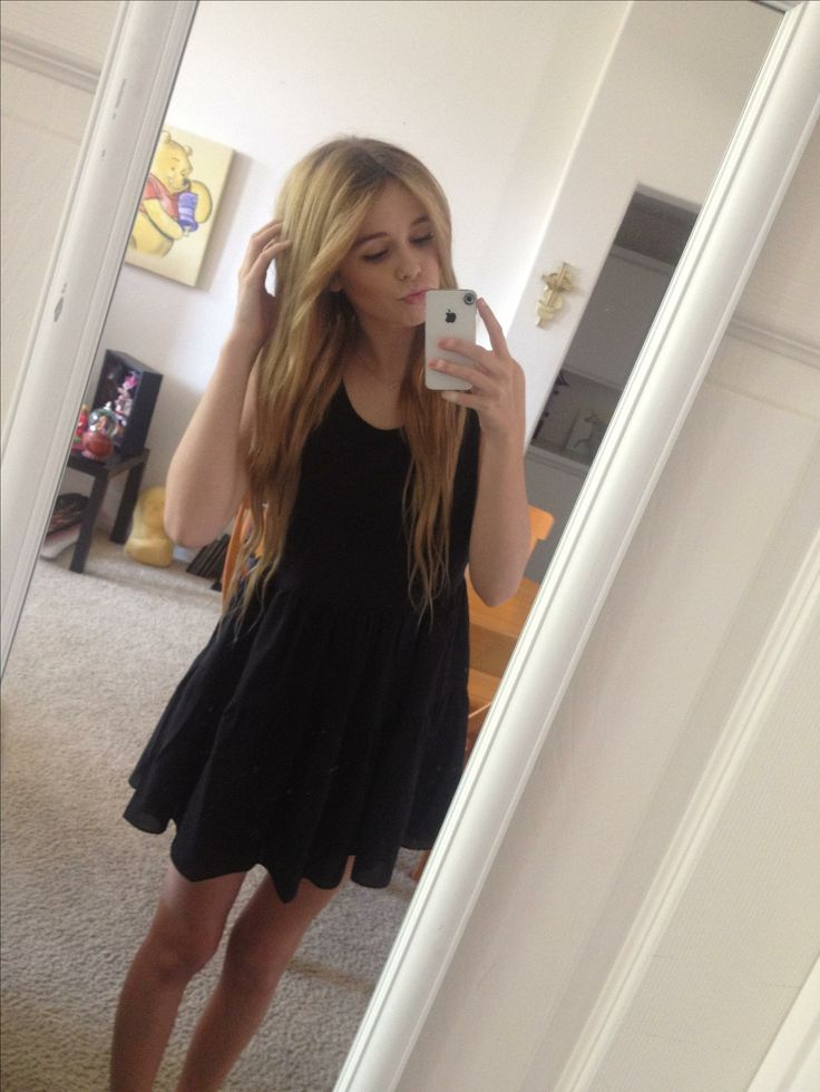 Acacia Brinley Biography Age Height Family Life And Why She Is Famous