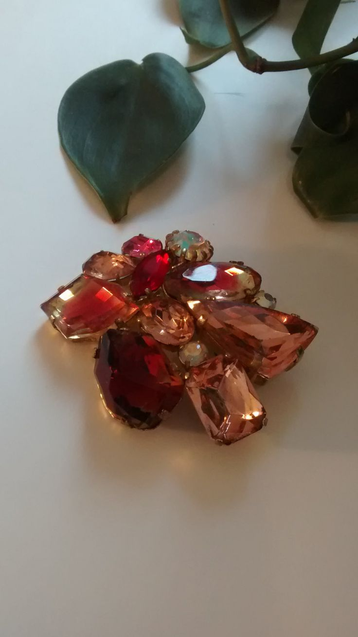 Shades of Pink Vintage Broach by Puddledub on Etsy