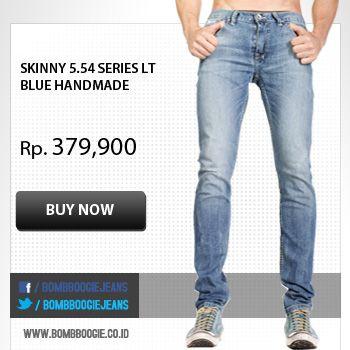 Cowok itu emang paling keren pake jeans, apalagi kalo jeansnya dari Bombboogie : www.bombboogie.co.id
