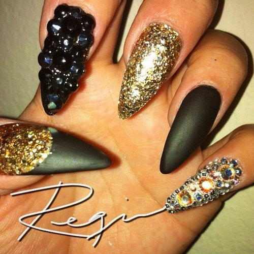 Best 25 sharp nails ideas on pinterest matte stiletto nails matte black rhinestones lace sharp nails lovethis prinsesfo Images