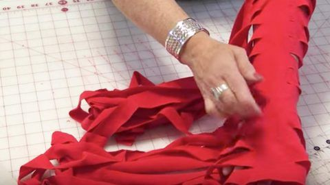 She Cuts Up Old T-Shirts And What She Does With Them Is Nothing Short Of Genius! | DIY Joy Projects and Crafts Ideas