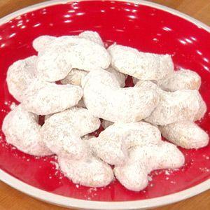 Trisha Yearwood's Crescent Cookies