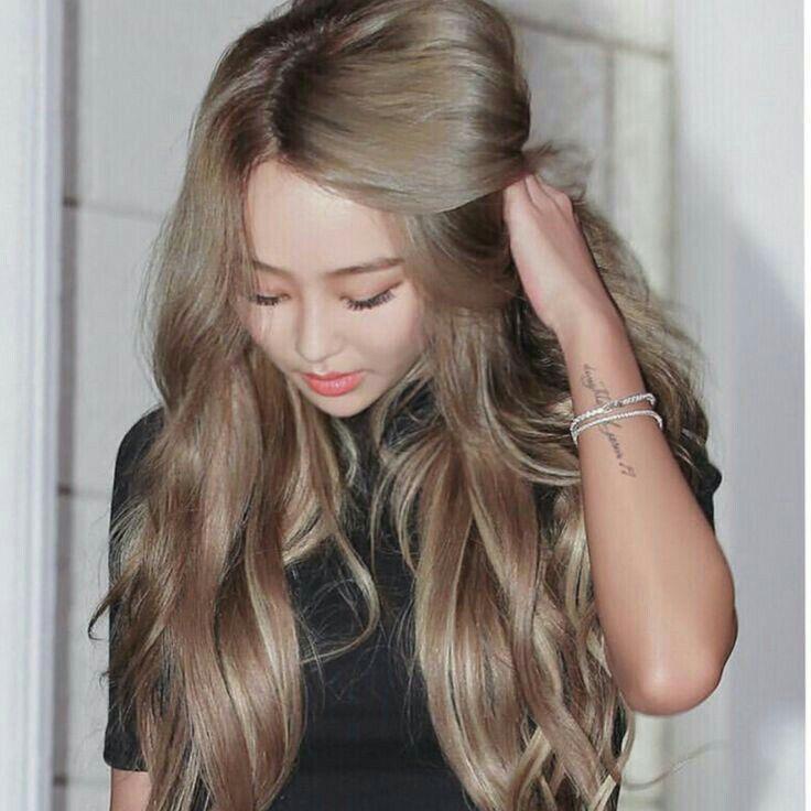 Hyolyn Kpop Hair Color Blonde Hair Korean Hair Color For Tan Skin