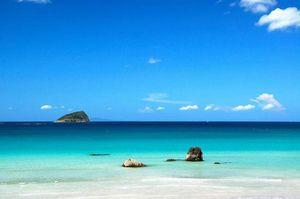 こんなとこで海水浴してみたい。日本にもあった絶景が見れるビーチ - NAVER まとめ