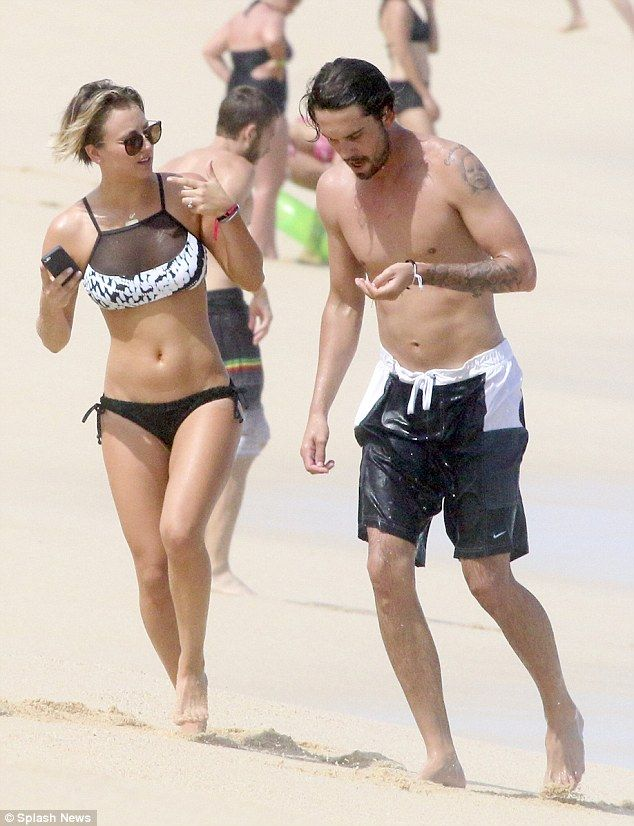 Kaley Cuoco shows off her sizzling bikini body on Mexican ...