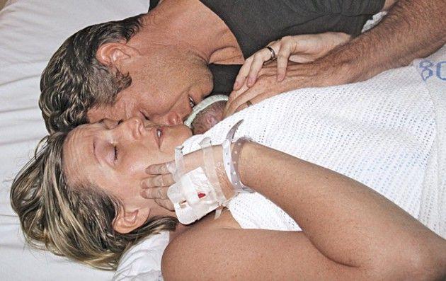 Seu bebê morreu na hora do parto, ela pediu para segurá-lo e 2 horas mais tarde um milagre