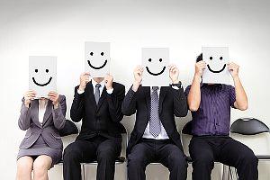 Arbeitgeber hinhalten? Bewerbung mit mehreren Jobangeboten