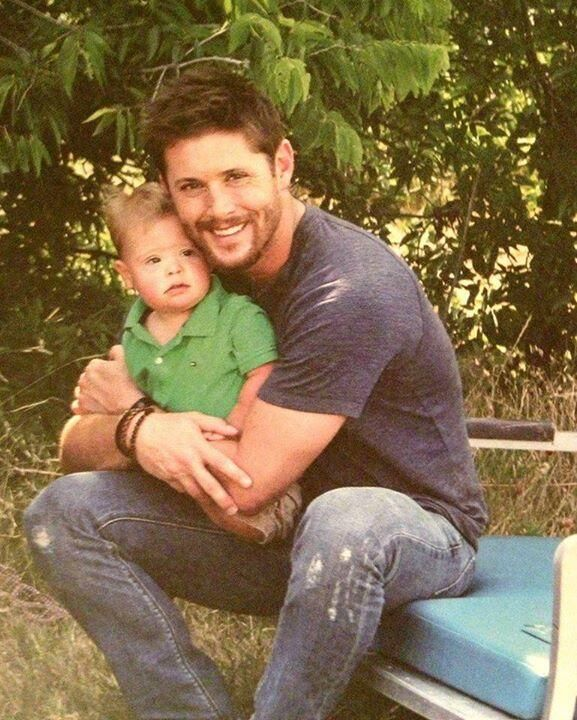 Awww, Jensen Ackles preciously holding his nephew, Levi...