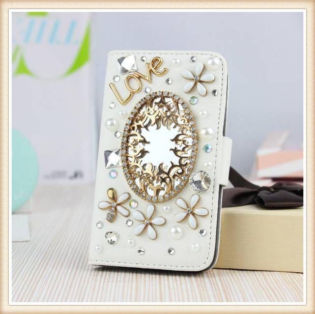Diamond flower bling mirror! Wallet case voor je telefoon.  Bestel deze Bling wallet case bij www.divaa.nl Voor de modellen: Appple Iphone 5c, Apple Iphone 5/5S, Apple Iphone 4/4S, Samsung Galaxy S4, S4 mini, Samsung Galaxy S3, S3 mini, Samsunng Galaxy Note 3