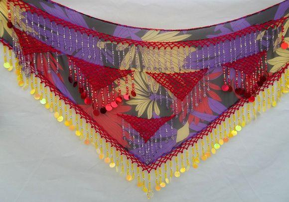 Lenço de quadril decorado com franjas , pastilhas e cristal acrílico  Tamanho do lenço: 1,52cm